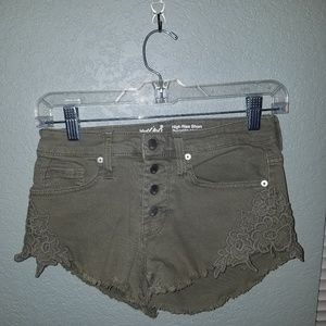 Mossimo high-rise button-up fly short shorts.